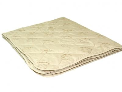 Облегченное одеяло из верблюжьей шерсти в микрофибре
